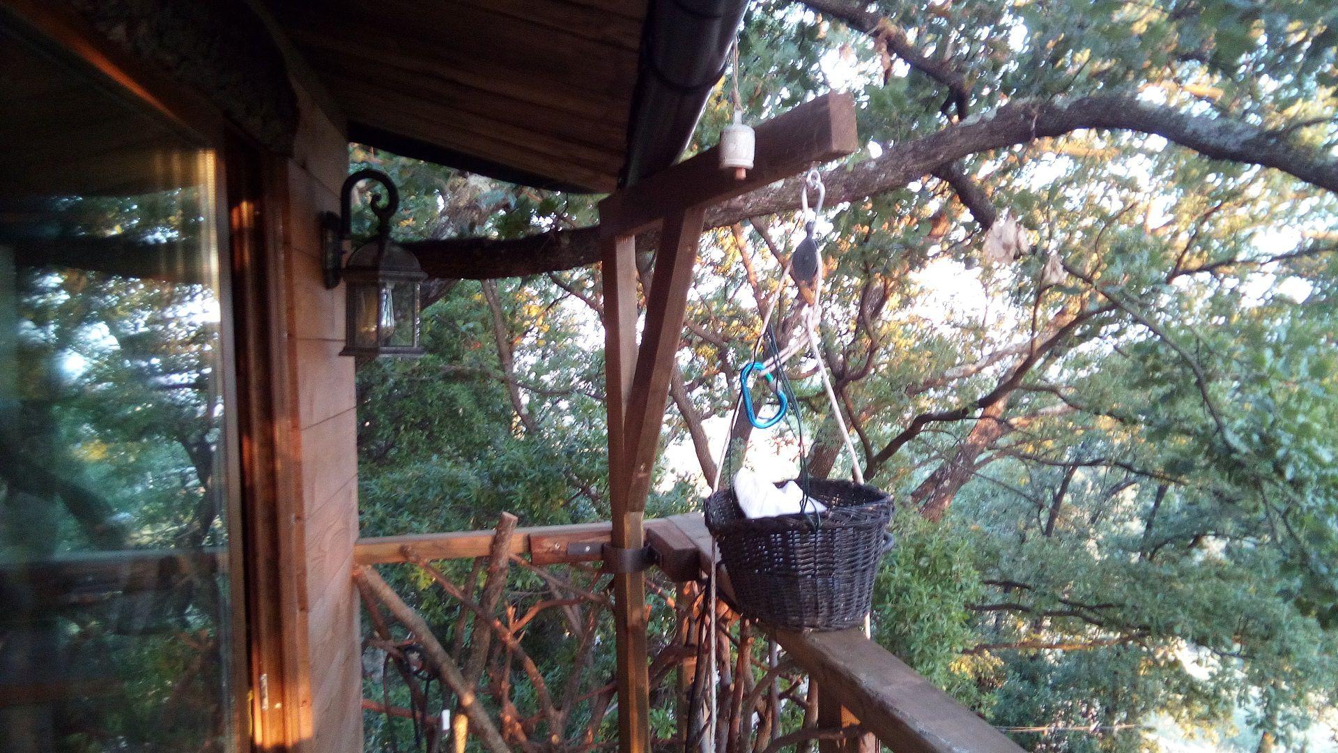 balcone sugli alberi